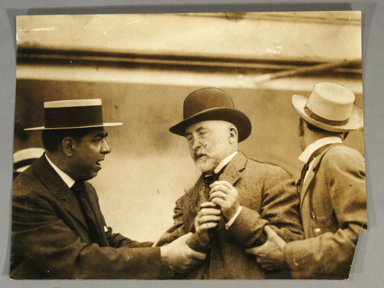 ORIGINAL PRESS PHOTOGRAPH - ASSASSINATION ATTEMPT ON MAYOR GAYNOR. PHOTOGRAPHY - 20TH CENTURY.