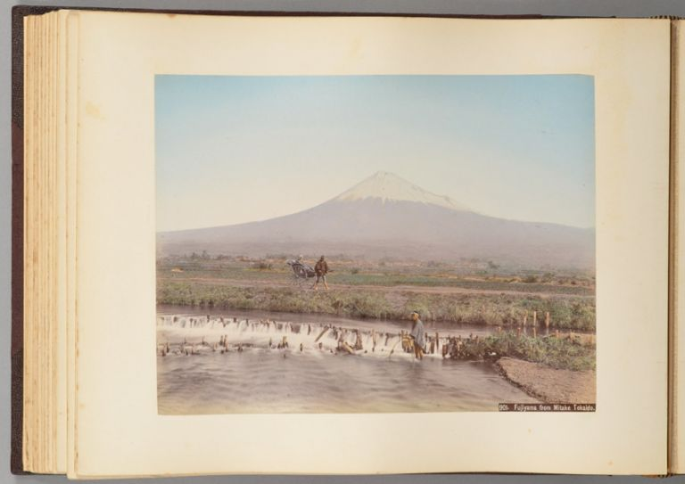 88 HAND-COLORED 19TH CENTURY PHOTOGRAPHS OF JAPAN. PHOTO ALBUM.